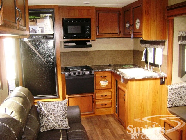 2016 STARCRAFT AUTUMN RIDGE 266RKS