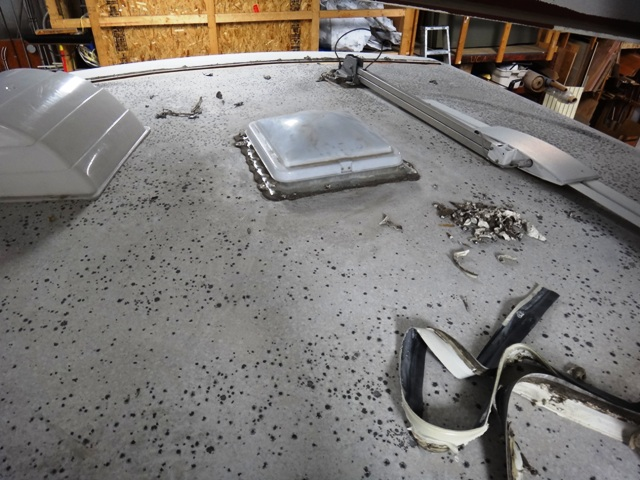 Smith's RV Centre Roof Repair